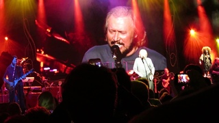 Barry Gibb - Grease - Live in Concord 2014 - Pt 16