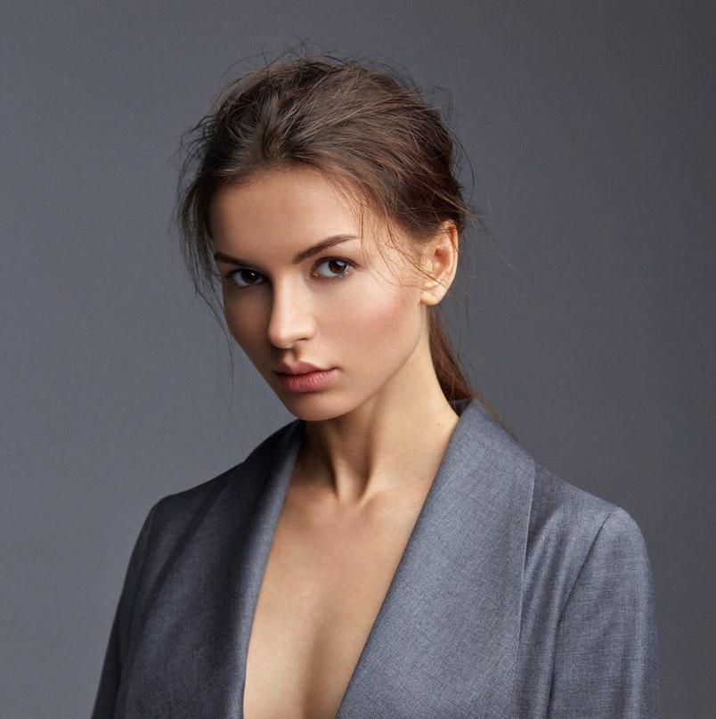 Алёна Венум |