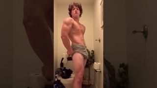CollegeGuys99 - Gym Rat - 16yo Teen Bodybuilder from Indiana Flexing Muscles - Instagram Fitness