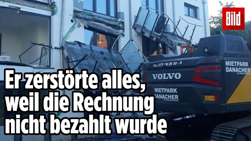 Baggerfahrer rastet aus und zerlegt Neubau Blumberg