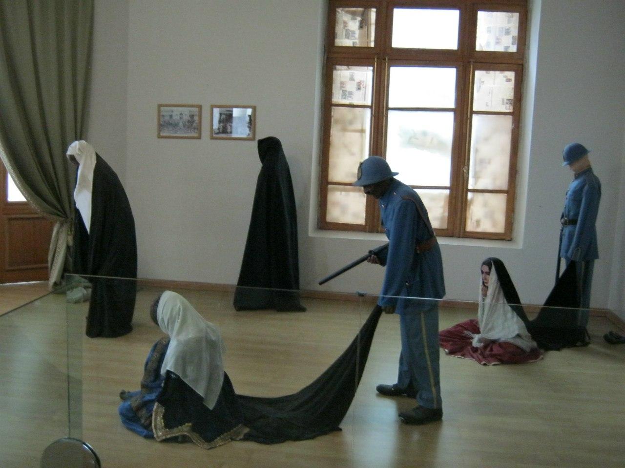 в Иране запрещали носить паранджу