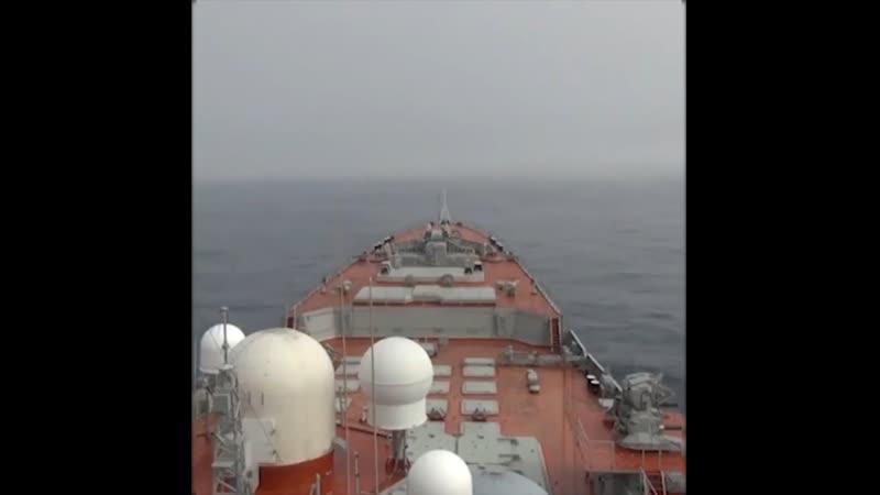 Видео с учений в Баренцевом море с участием крейсера Пётр Великий