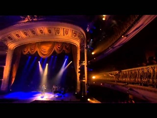 Simply Red (Filmed during the band's live performance in Cuba in August 2005)