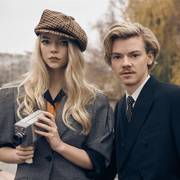 Аня Тейлор-Джой и Томас Броди-Сангстер в фотосессии для Netflix Queue Charlie Gray