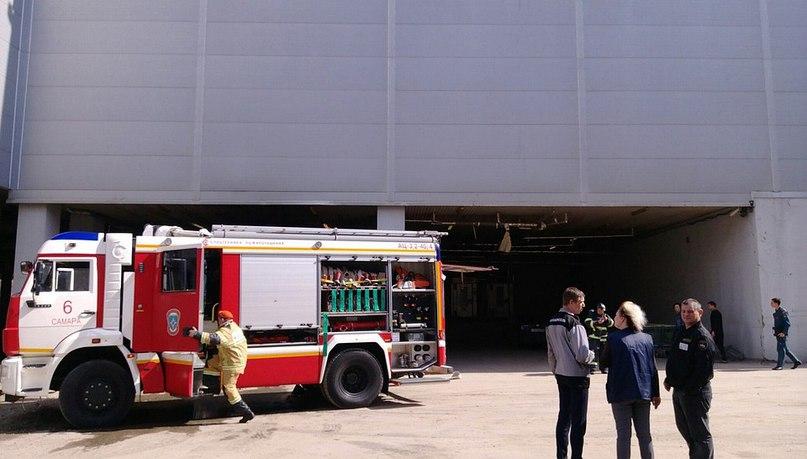 В торговом центре «МегаСити» сработала пожарная тревога.