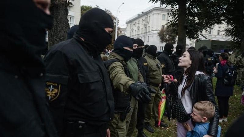 Беларусь Бывший Силовик ОМОН об Отрядах Самообороны в Белорусии Тактика и стратегия самообороны от захватчиков