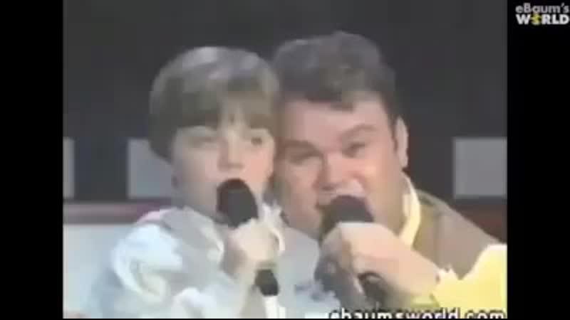 Der Holländische Superstar Paul de Leeuw und Kindershow Moderator in seinem Rausch
