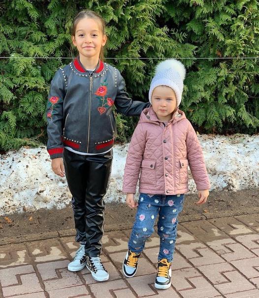 Ксения Бородина поделилась новым снимком дочек!