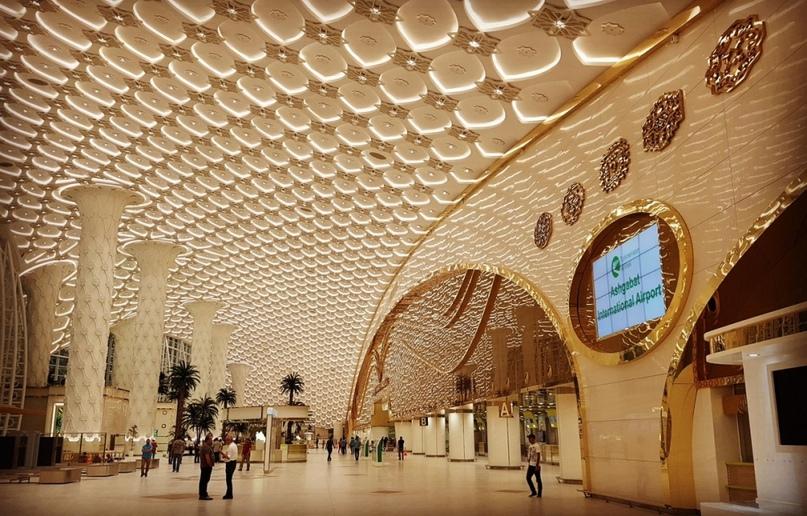 Невероятные аэропорты, в которые точно захочется вернуться, изображение №2