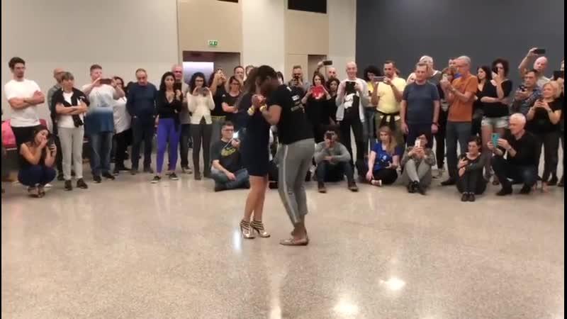 Kizomba Demo on a Coladera song at Kizmi Eddy Vents and Anusha