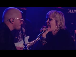Miley Cyrus - Zombie (Live) (The Cranberries cover)