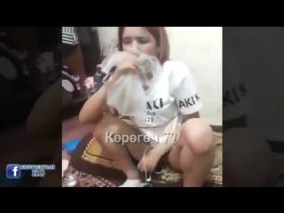 Уят эле! кыргыз кыздары шерменде!!! (нашакор кыздар!).mp4