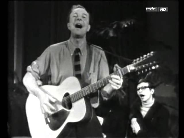 Pete Seeger We Shall Overcome Version 02 Berlin DDR GDR 1967