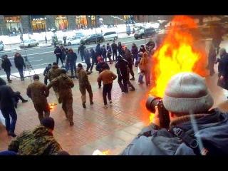 В Киеве бунтуют: у мэрии жгут покрышки, бьют наци, активистов Майдана шлют в штрафбат, Кличко рулит