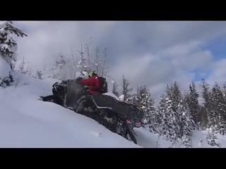 И на шестиколёсный Outlander свои Apache найдутся. Смотрите, как этот квадроцикл справляется в глубоком рыхлом снегу.