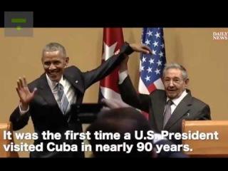 Рауль Кастро не дал Бараку Обаме обнять себя