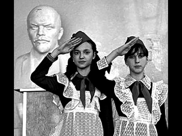 Так принимали в пионеры Был такой ритуал Москва СССР 22 апреля 1973 г Кинохроника