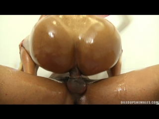 Michelly cinturinha - getting fucked all oiled up [(20 sept.2012)., shemale, tranny, oiled, male on shemale, oral, anal, cumshot