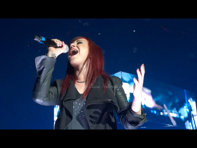 Jen Ledger with NewSong - Oceans live 22215