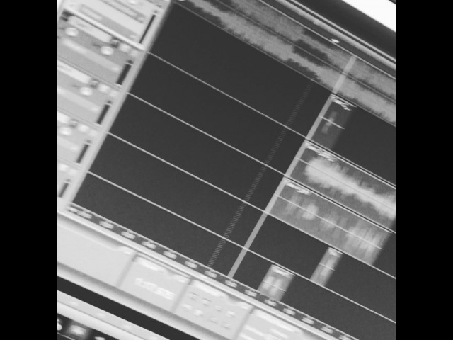 "Jonathan Black on Instagram @blast d убил бит @glxry trapmaker цени дерьмо 😏💸"""