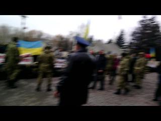 18 12 2014г Кривой Рог Майдан милицейский песпредел уже в НАГЛУЮ