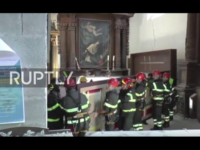 Италия Аматриче пожарники восстановил древнее искусство от церкви произошло землетрясение