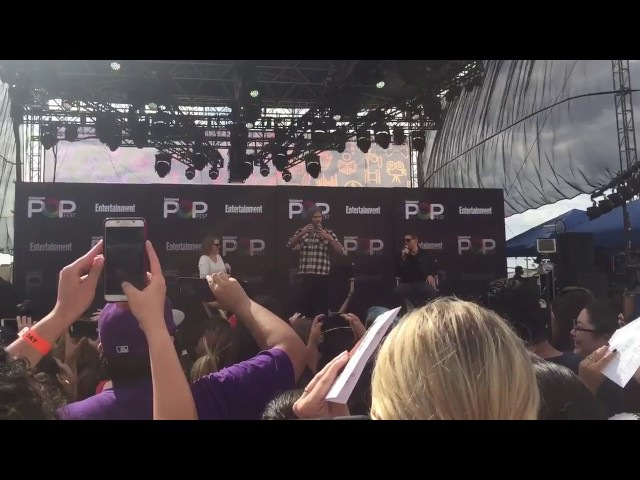 Jared Padalecki and Jensen Ackles imitate CSI Miami at ewpopfest