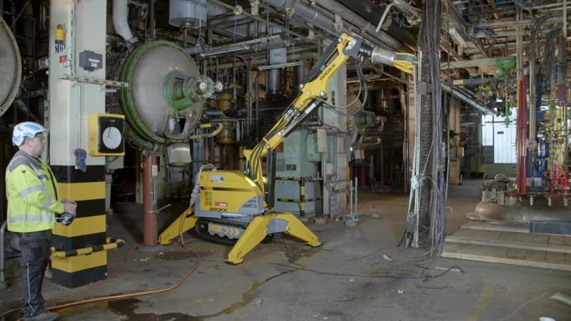 Демонтажный робот Brokk и универсальные ножницы Darda MC200