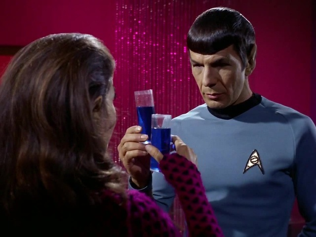 Hypnotized Spock Smile (Star Trek TOS, 1966-1969) · coub, коуб