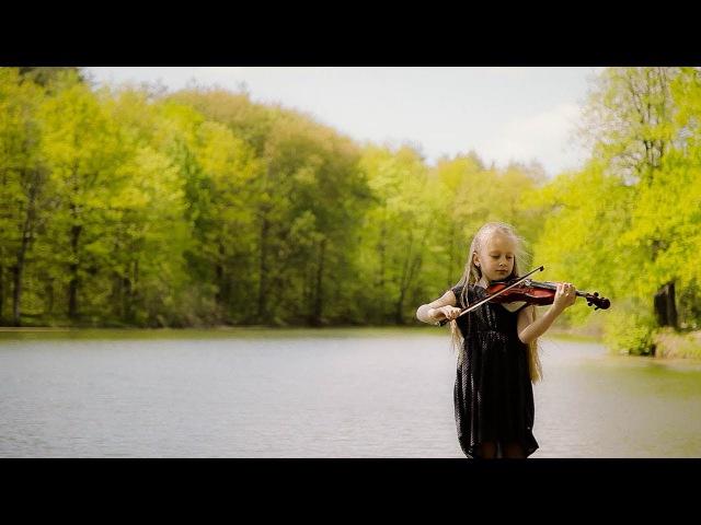 Дети поют Гимн России. Чебоксары