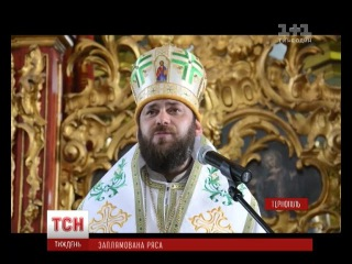 В Тернополе священники развлекались в ночном клубе с девушками и затеяли массовую драку