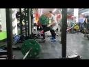 Юлия Зауголова приседает 140 кг на 10 раз