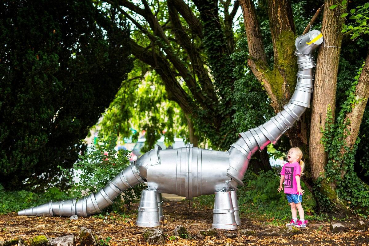 Многоведерное создание: Ее прелестный динозаврик