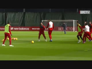 VVD and Lallana nutmegs 👌 Salah's quick-feet ⚡️  Rondos with the Reds. 🔴