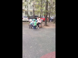 Гулянки под дождем)