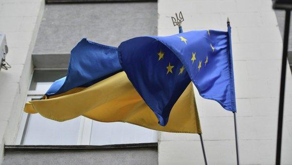Евросоюз призвал Киев неотложно ввести в действие закон № 6016-д