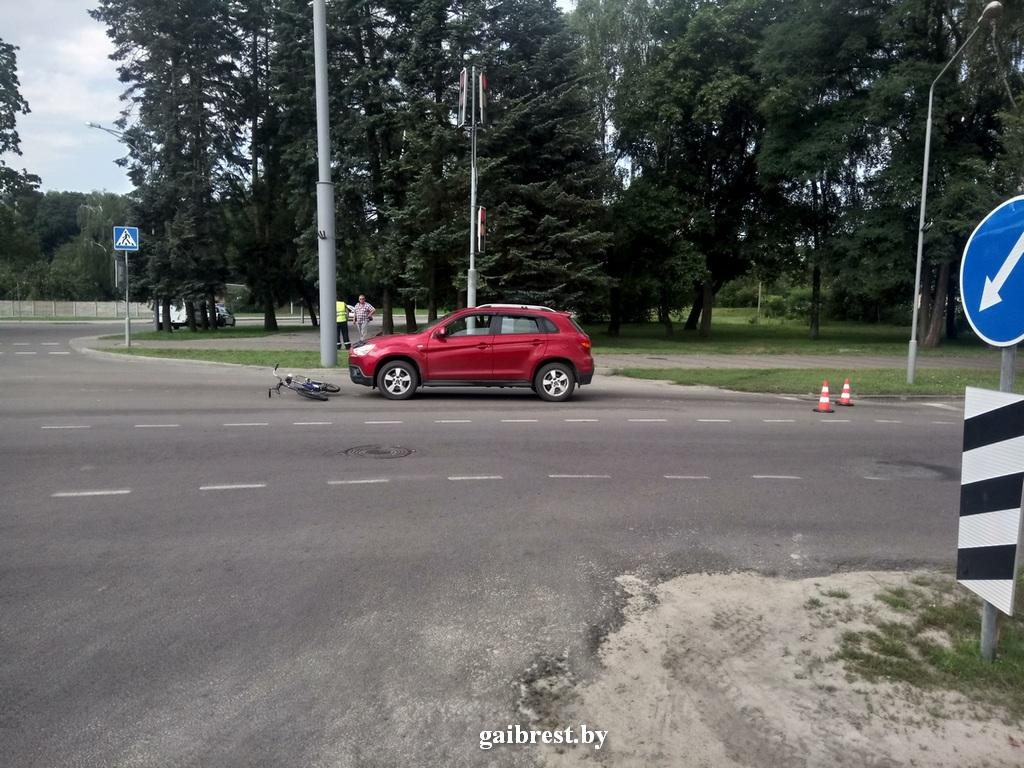 На ул. Зубачёва в Бресте водитель сбил 67-летнюю велосипедистку