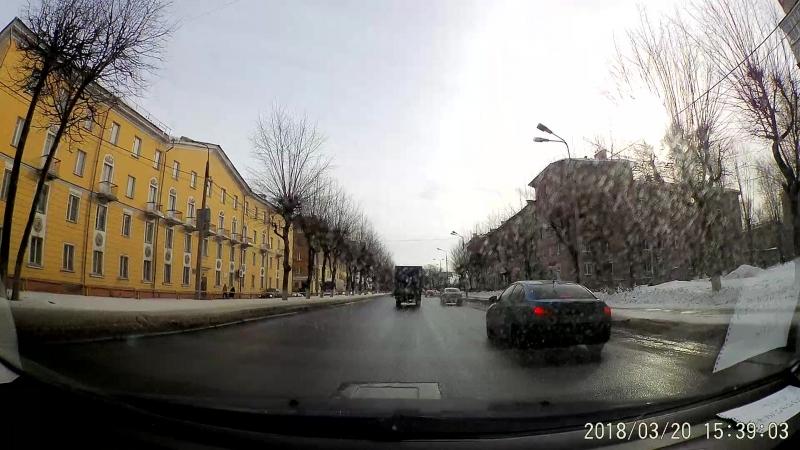 Лужи на дорогах и пешеходы :(