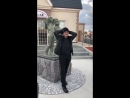 Аояма Госё возле статуи Ран и Синъити