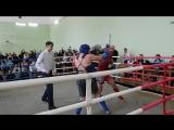 на ринге в красной форме боец п. Ясная Поляна Иванников Роман, победитель в двух боях, тренер Поцулло И.А.