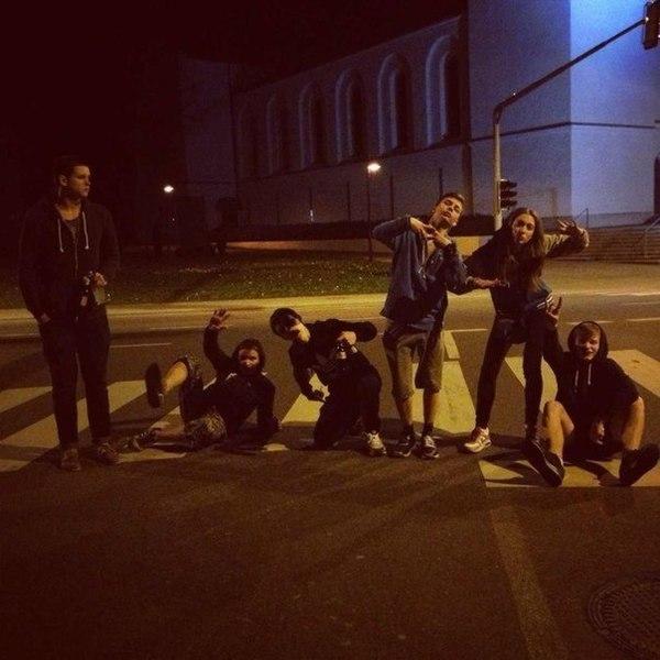 кратко фото гуляем ночью с друзьями черненко пережил