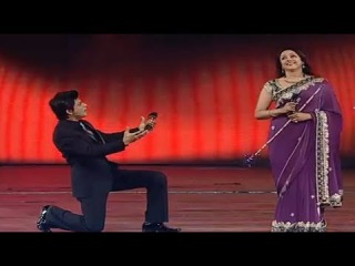 Sahrukh Khan funny with Hema Malini and Shahid Kapoor in best comedy in Awards show