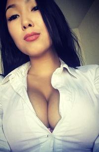 molodie-nyu-foto-v-kontakte-molodaya-rizhenkaya-v-golubom-bele