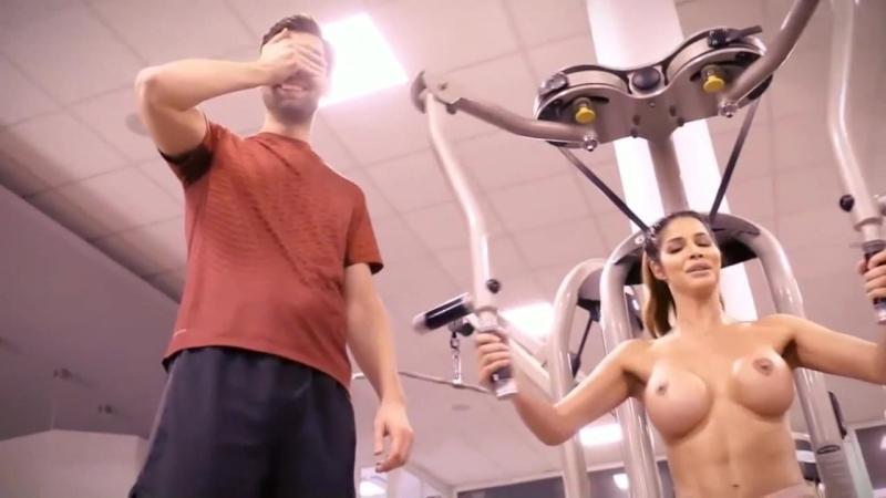 Nackt trainiert micaela schäfer Micaela Schäfer