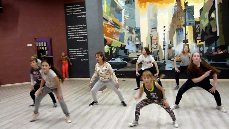 JAZZ FUNK (level.1) group2   Kyle Hanagami Choreography