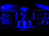 Robo-DJ Kuka - первый на свете робот-диджей, который может менять треки, миксовать и даже танцевать