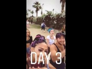 2 Dylan Sprayberry e Samantha Logan no Coachella18