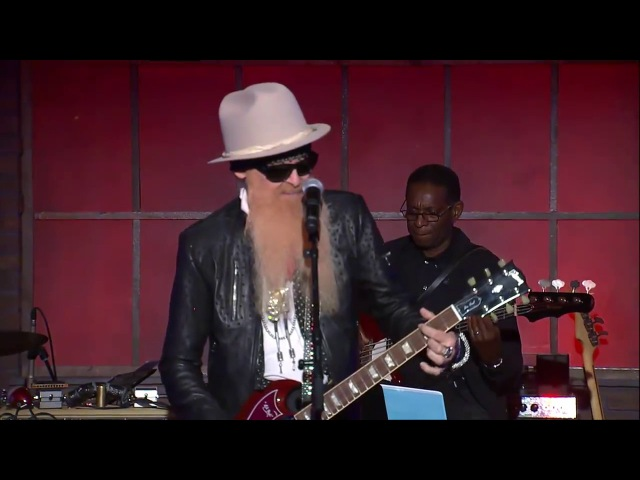 Billy F Gibbons and Mike Henderson Waiting On The Bus Jesus Just Left Chicago Feb 2017
