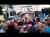 2017-08-30  Erlangen (Bayern) - Merkel niedergebrüllt und ausgebuht (Hau ab, hau ab)