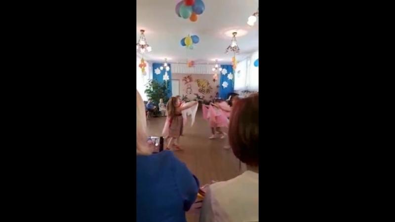 танец для мам,молодцы наши детки!